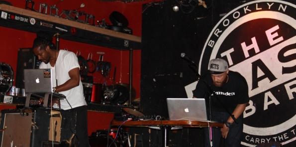 Trash-bar-DJs
